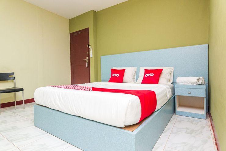 OYO 1703 Terang Bintang Hotel Batam - Bedroom
