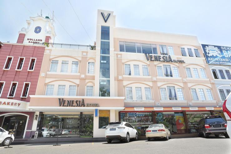 Venesia Hotel  Batam - Hotel Tampak Depan