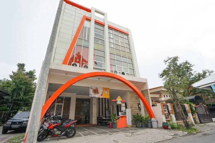 OYO 450 semampir residence Surabaya - Facade