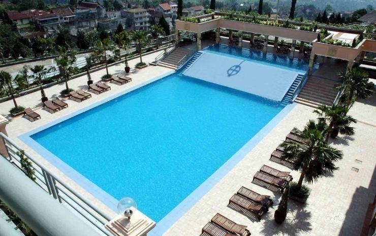 Royal Senyiur Hotel Pasuruan - Kolam Renang