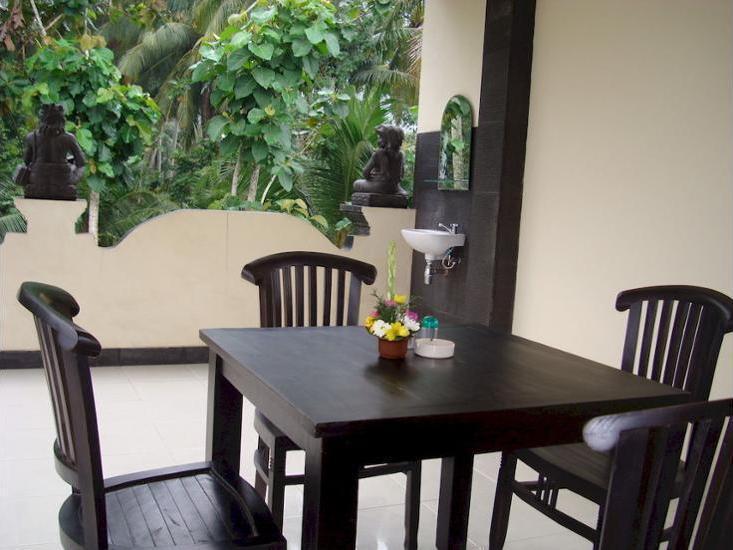 Semampan Village Guesthouse Bali - Outdoor Dining