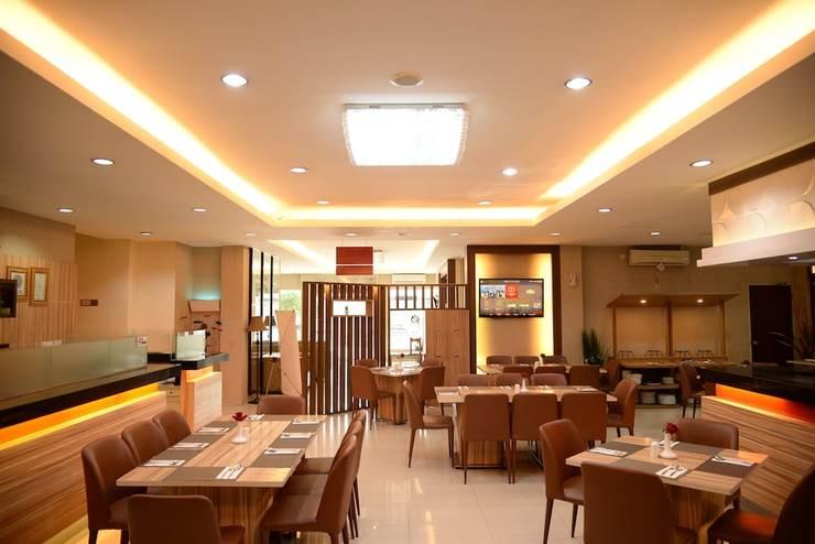 Rangkayo Basa Halal Hotel Padang - Breakfast Area