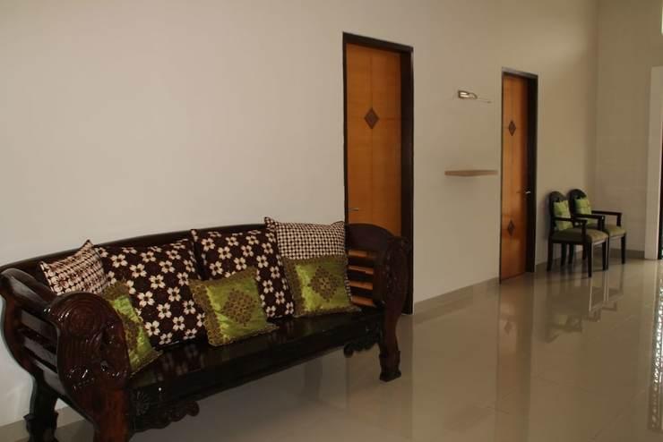 Natura Rumah Singgah Guest House Banyumas - Living Area