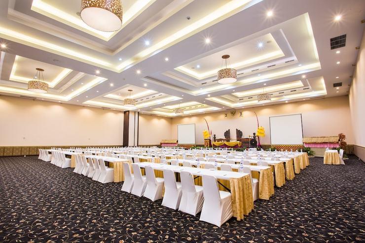 Plagoo Holiday Hotel Bali - Ballroom
