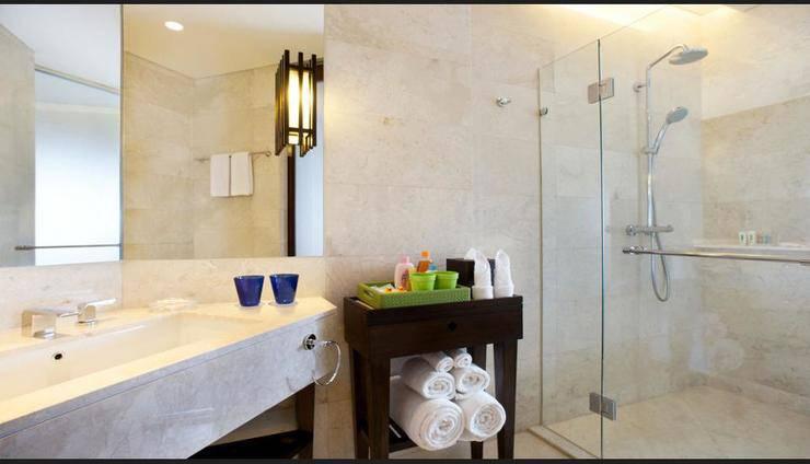 Holiday Inn Resort Bali Benoa - Bathroom