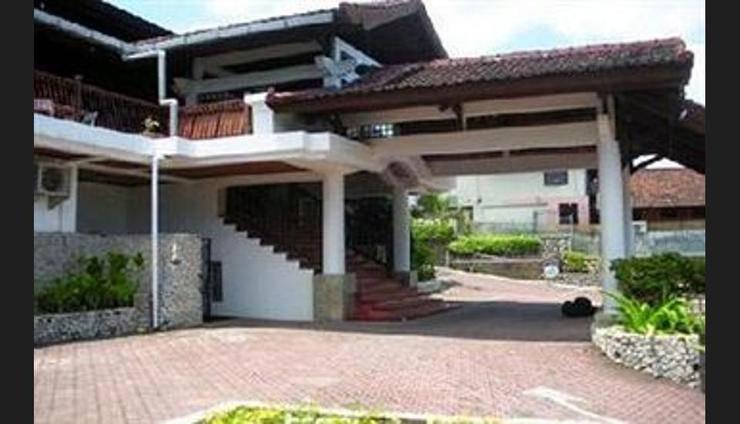 Bukit Senggigi Hotel Lombok - Hotel Entrance