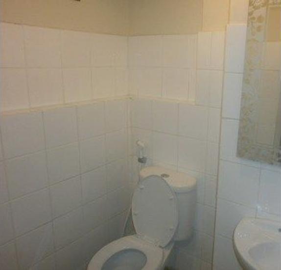 Hajjah Ririn's Kebagusan City Jakarta - Bathroom