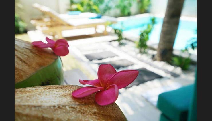Gili Luxury Villa Lombok - Room Service - Dining