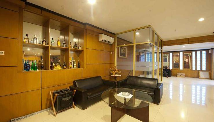 Hotel Elizabeth Semarang - lobi