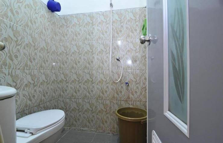 Midi Homestay Malang - Kamar mandi