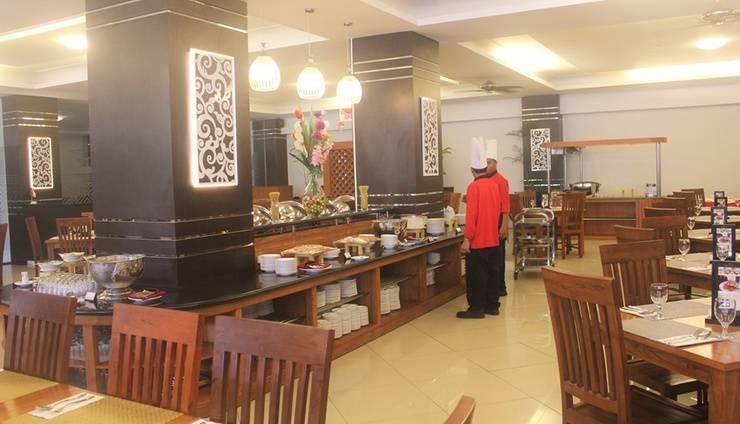 Prima SR Hotel & Convention  Yogyakarta - Buffet Breakfast