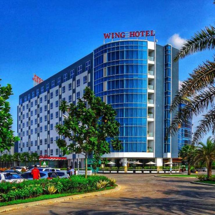 Wing Hotel Kualanamu Airport Deli Serdang - Facade