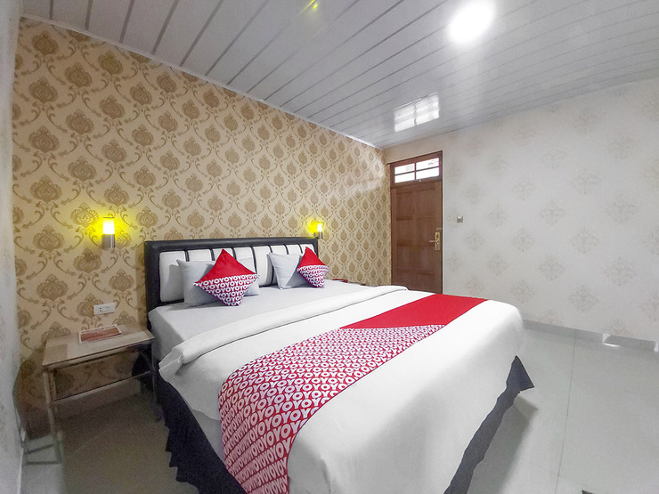 OYO 3196 Hotel Taman Cinta Singkawang - Standard Room