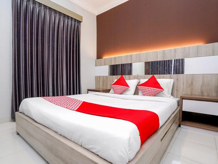 OYO 747 Cipunegara Residence Surabaya - Bedroom