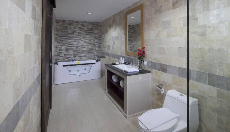 Grand Puri Saron Yogyakarta - President Suite Bathroom