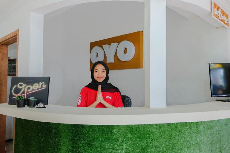 OYO 538 Villa Handayani Syariah Malang - Reception