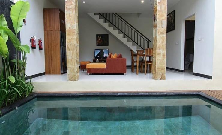 Ardha Chandra Villa Canggu Bali - Kolam Renang