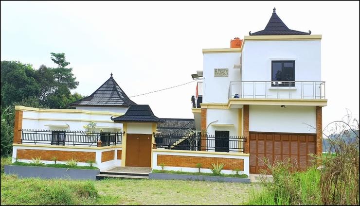 Villa Saung Suluh Banyumas - exterior