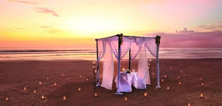 Bali Mandira Beach Resort & Spa Bali - Makan malam romantis di pantai