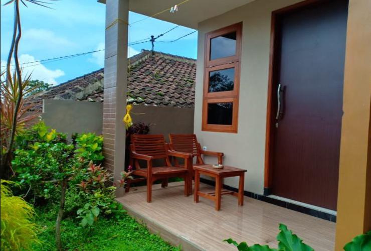 Villa Akbar 4 Malang - terrace
