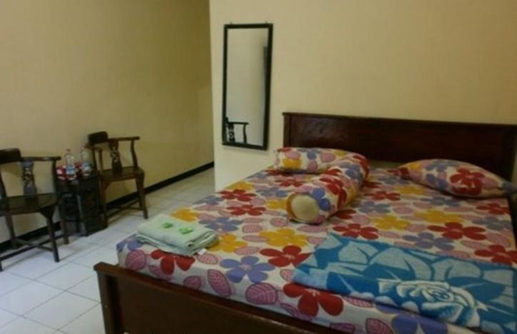 Hotel Moronyoto Probolinggo - Kamar Tamu