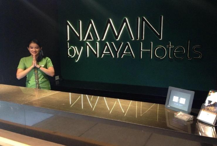 Namin Dago Hotel Bandung - Receptionist