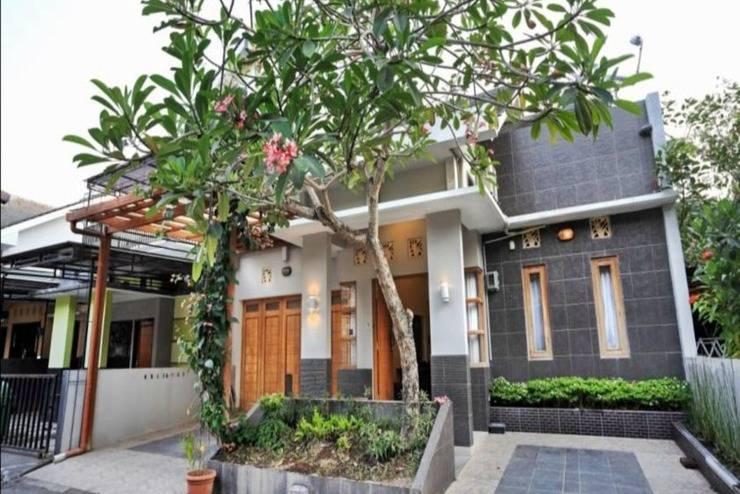 Marades Sweet Home Yogyakarta - Tampilan Luar Hotel