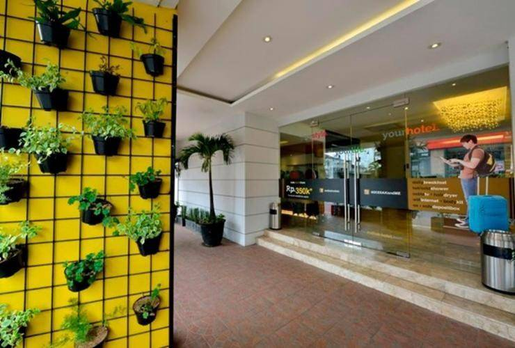 Hotel Zodiak Asia Afrika Bandung - Hotel Entrance