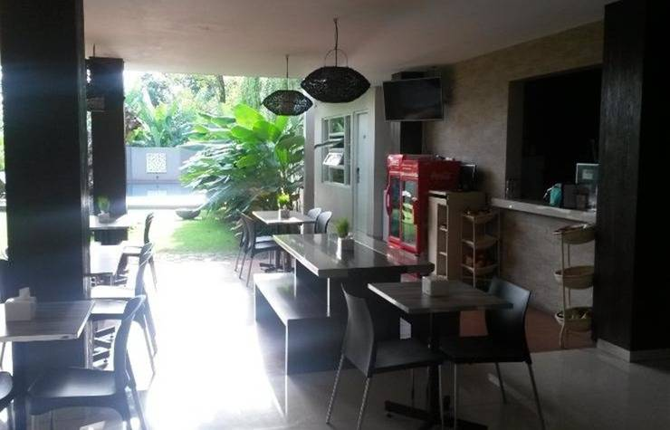 Doho Homestay Jember - Coffee shop