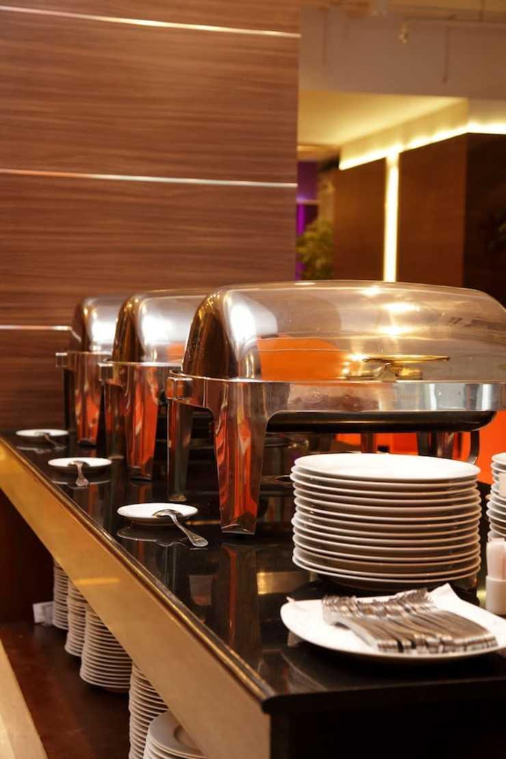 Big Hotel Jakarta - Buffet