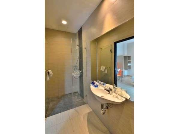 Big Hotel Jakarta - Kamar mandi