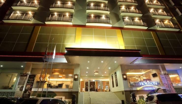 Hotel Horison Jayapura - pintu masuk