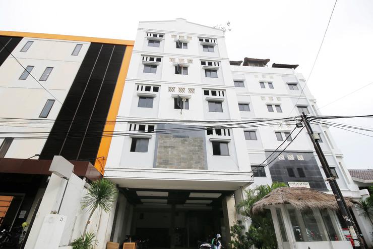 Penthouse Hotel Jakarta - Property Building