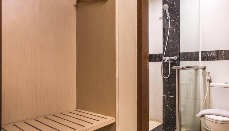 Feodora Hotel Grogol - Kamar mandi