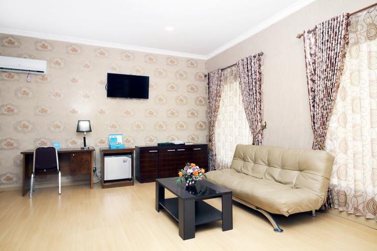 Airy Eco Syariah Kayu Tangi Brigjen Hasan Basri 7 Banjarmasin - Living room