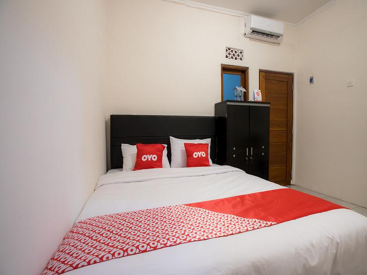 OYO 1744 Midys Bekasi - Guestroom