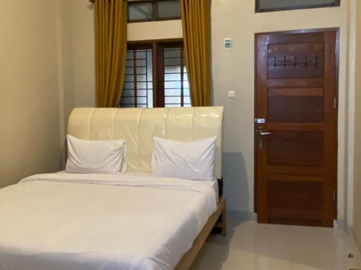 RedDoorz @ Joyce Guest House Medan Medan - Photo
