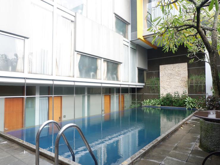 Capital O 874 Hotel Nyland Pasteur Bandung - Pool