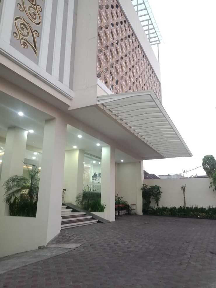 Nagari Malioboro Hotel Yogyakarta Yogyakarta - tampak depan