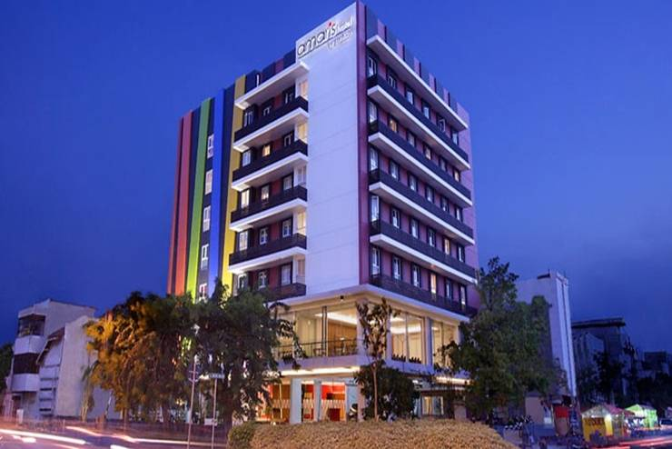 Amaris Embong Malang - Tampilan Luar Hotel