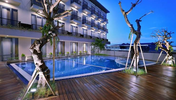 Aston Inn Mataram - Pool