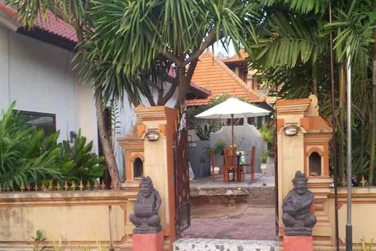 Arya Inn Lembongan - Tampilan Luar Villa