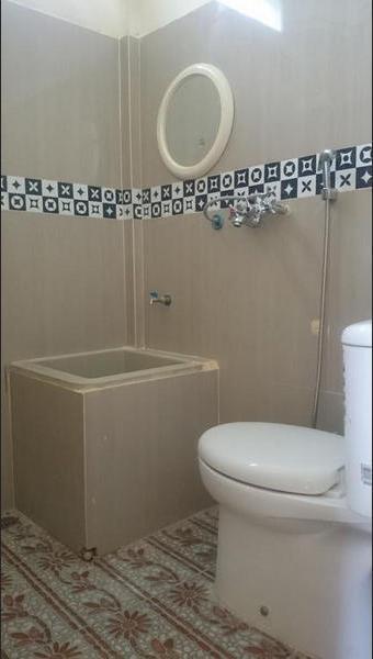Rumah Mamak Syariah Bukittinggi - Bathroom
