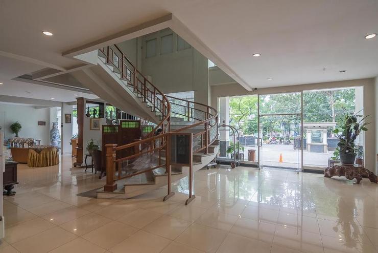 RedDoorz Syariah near Gasibu 2  Bandung - Lobby