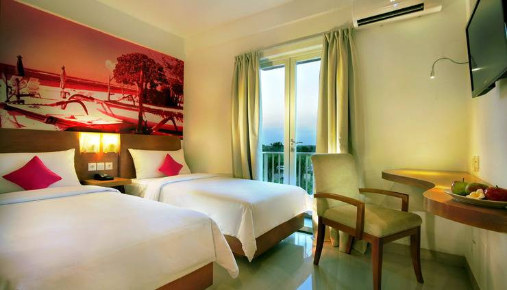 Seminyak Garden Bali - Seminyak Garden _Pool View Room Twin Bed With Balcony