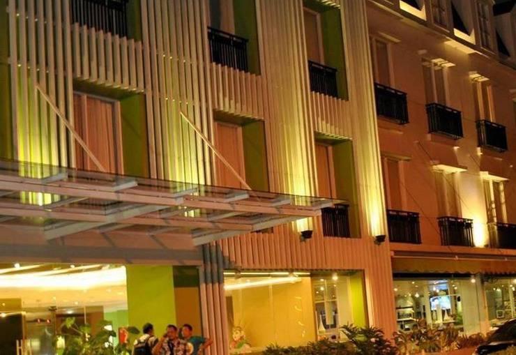 Pomelotel Jakarta - Pemandangan Gedung Hotel