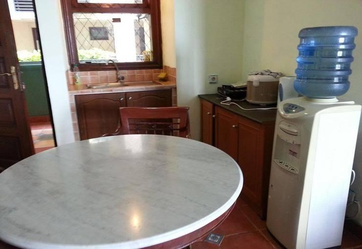 Private Apartement @ Marbella Anyer Serang - Meja
