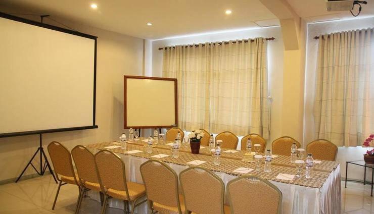 Bukit Dago Hotel Bandung - Meeting room