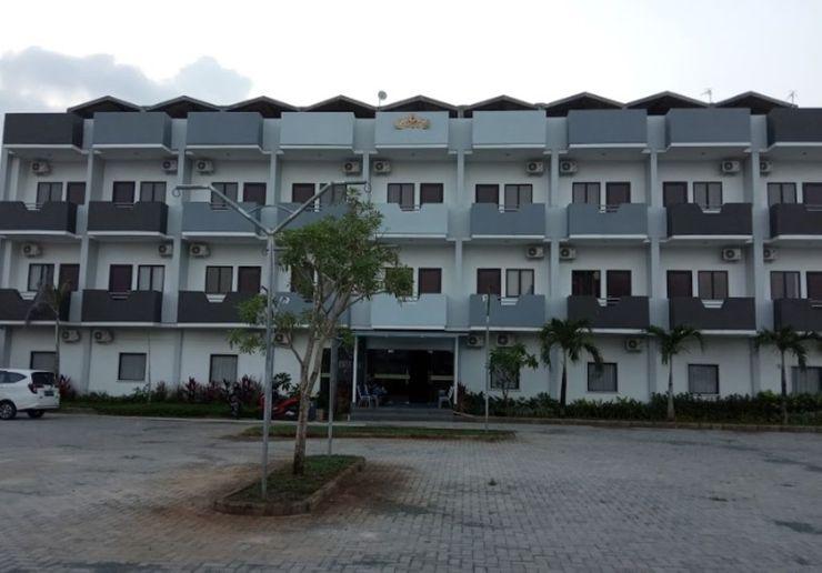 Yunna Express Bandar Lampung - Facade