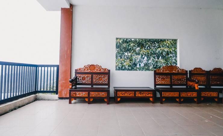 RedDoorz near Taman Rekreasi Selecta Malang - Interior